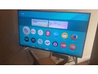 PANASONIC 40 INCH 4K ULTRA HD HDR LED TV-40DX700B, with wifi, Freeview Play,Excellent condition