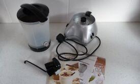 HARDLY USED KENWOOD FROTHIE HOT & COLD DRINKS MAKER MODEL CL420