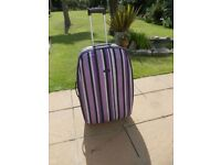 "Medium sized suitcase 70 x 40 (27""x18"")"