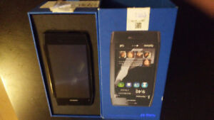 NOKIA X7 WITH BOX AND ACCESORIES
