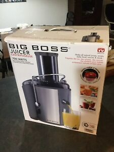 "Juicer ""big boss"" used a dozen times - like new!"