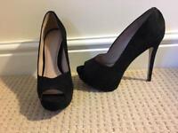 Black office suede size 5 heels