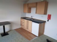 Studio flats all inclusive £550 short walk to Victoria station - 2 Available