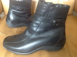 Women's size 7.5 Leather Boots
