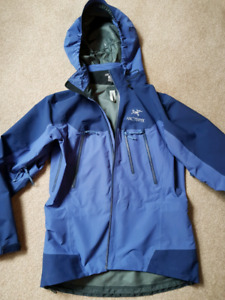 Arcteryx Theta AR Gore-Tex Pro Shell Jacket  - women's medium