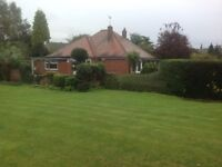 Beautifully presented 3 bedroom bungalow with spacious garden in West Cowick