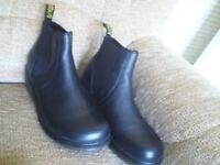 Boots Dr Martens Airwair (Size 9)