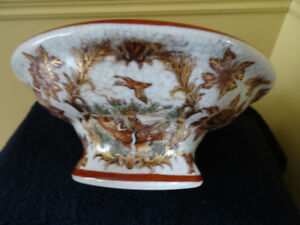 ANTIQUE CHINA BOWL WITH DUCKS AND FLOWERS