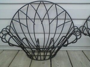 WIRE WALL PLANTERS