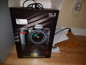 Camera Nikon D90 avec objectif 18-70 Excellente condition