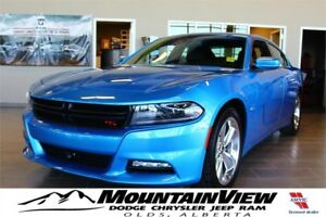 2016 Dodge Charger R/T in B5 BLUE! ONLY 11,000 KM!