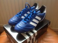 Football boots adidas kaiser size 6 brand new.