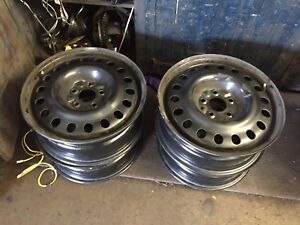 Hyundai 17 inch steel Wheels 5x114.3 bolt pattern