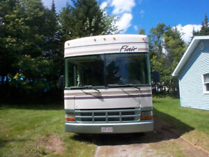 2000  31 FOOT CHEVE  MOTOR HOME EXCELLENT CONDITION