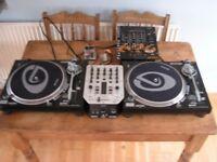 Gemini DJ Decks Turntables Direct drive Mixer and 100 records