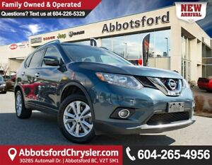2014 Nissan Rogue S Accident Free w/ Navigation & Sunroof!