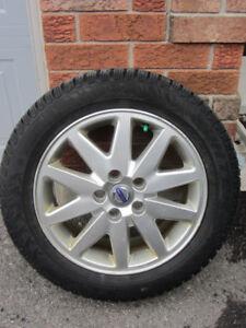4x Pirelli Winter Carving Edge 205/55-16 (no rims)