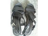 Wooden sandals size 5