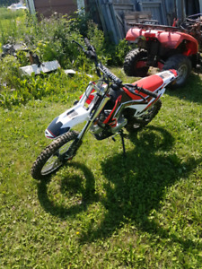 (Price drop!!)Brand new dirt bike