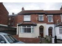 ROOM FOR RENT!! Four bedroom house, single bed, £225, STRANMILLIS