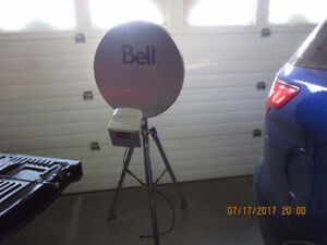 Bellexpressview and Telus Satalite Dish with 2 LNBs & 3ft Tripod