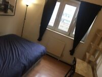 Fantastic Double Room - Located less than 3 minutes walk from Shadwell DLR