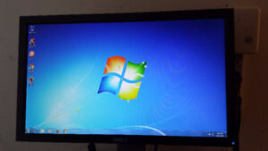 """20"""" Dell Wide Screen LCD Computer Monitor for Sale"""