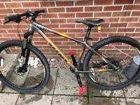 Downhill mountain bike (vitus)