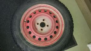 4 Roues d'acier avec pneus d'hiver