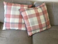 2x large checked cushions