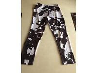 New sports leggings size small