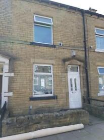 HOUSE TO LET BD8