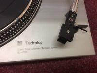 Technics SL 1700 direct drive turntable