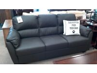 Lovely brown leather sofa in great condition.