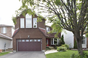 *Unique 4 Bedroom Home Lovingly Landscaped in Fallingbrook