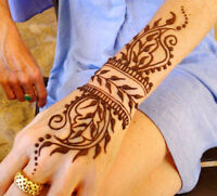 Henna artist available for appointments and parties