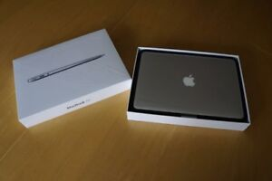 "MACBOOK AIR 13"" 2012 MINT CONDITION 10/10"