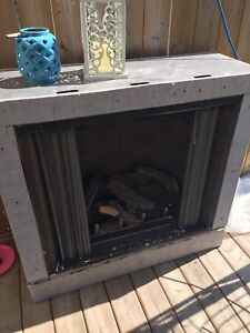 Outdoors natural gas fireplace