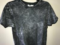 Fashionable marble grey t-shirt
