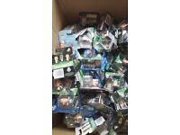 FOOTBALL STARZ MINI FIGURES x84 IN PACKAGING