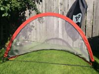 TP KIDS POP UP FOOTBALL GOAL (WITH CARRY CASE)