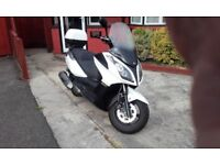 HELLO HAVE MY KYMCO DOWNTOWN 300I FOR SALE IT STARTS AND RUNS VERY WELL NO MECHANI