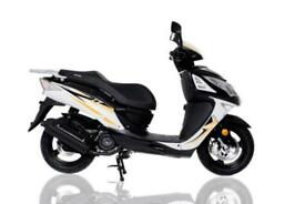 SINNIS SHUTTLE SCOOTER 125cc BRAND NEW - LEARNER LEGAL - BLACK