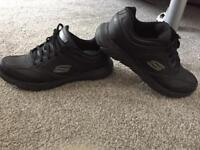 Ladies size 6 Sketchers Like New