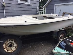 14' fibreglass boat with trailer(project boat)