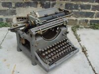 FREE DELIVERY Vintage Underwood Typewriter Old Retro R
