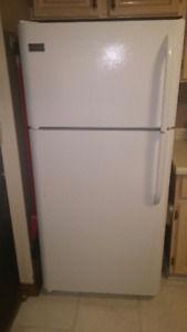 Frigidaire Frost-Free Refrigerator/Freezer- 2015 model