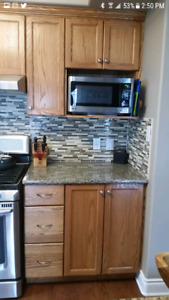 Maple cupboards & granite counter tops.
