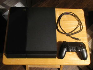 PlayStation 4 - Ps4 - Parfaite condition - 1 manette