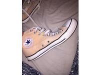 Size 6 converse boots